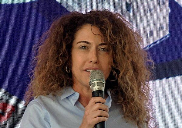 סטלה הנדלר, מנכ