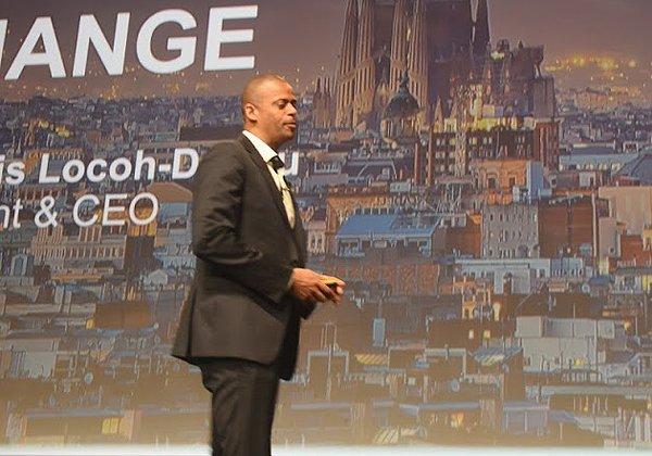 """על הבמה: פרנסואה לוקו-דונו, המנכ""""ל החדש של F5. צילום: פלי הנמר"""